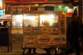 Sample a genuine New York City hotdog on your Icon Travel holiday