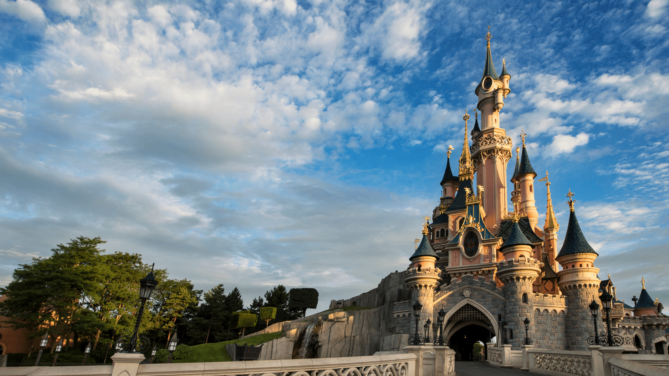Take an unforgettable trip to Disneyland Paris with Icon Travel